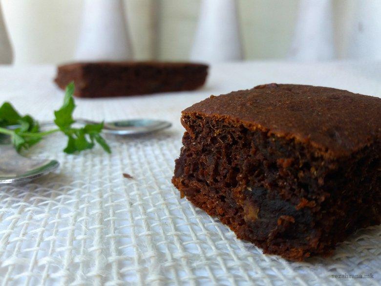 Чоколадна торта со ржано брашно без шеќер