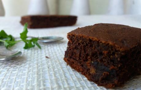 Cokoladna-torta-so-rzano-brasno-bez-seker-2